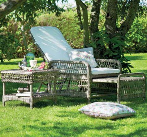 1d43b19f2a178b98fa51c0dbfda35e08--wicker-sofa-wicker-furniture.jpg